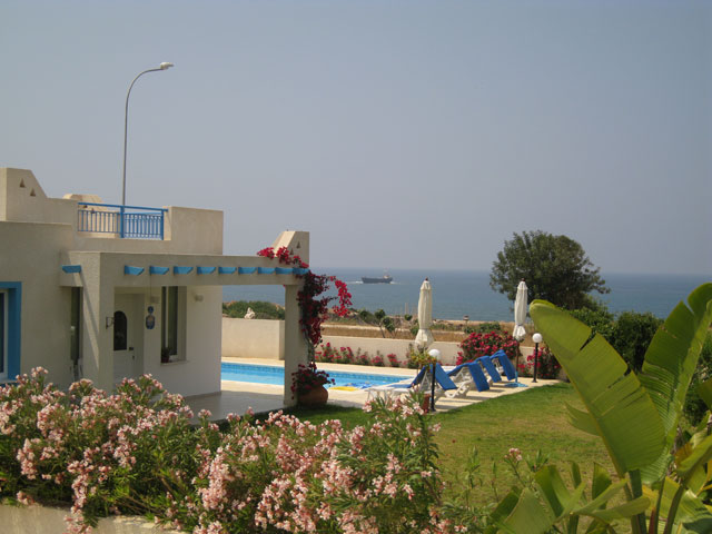 villen zu mieten in zypern wunderschoene villas paphos. Black Bedroom Furniture Sets. Home Design Ideas
